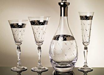 Glazze Crystal distribuye en diferentes países del mundo, estoy feliz de tener en mi casa esta botella de lujo @estilos_RECO